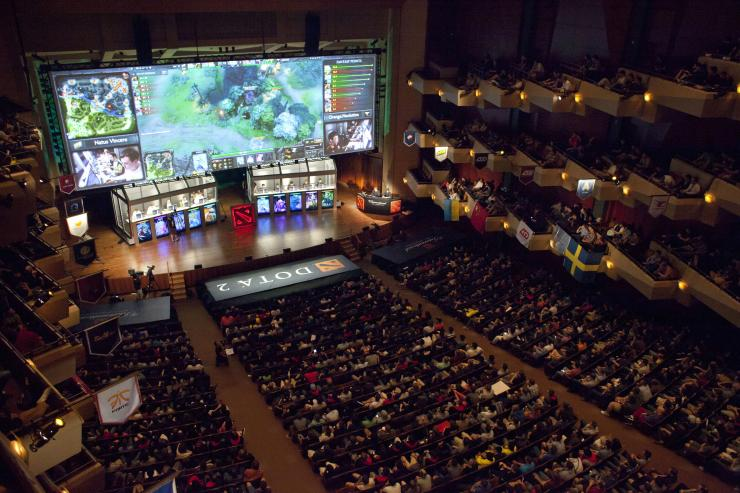 activision bets on people paying to watch video games kinibiz